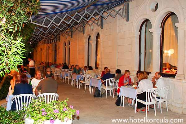 terrace-hotel-korcula1