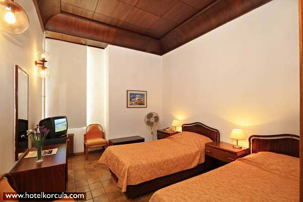 twin-room-hotel-korcula1